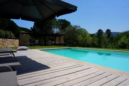 Zwembad Bagnols en Foret