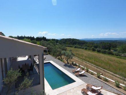 Vakantiehuis-te-huur-met-zwembad-Lorgues